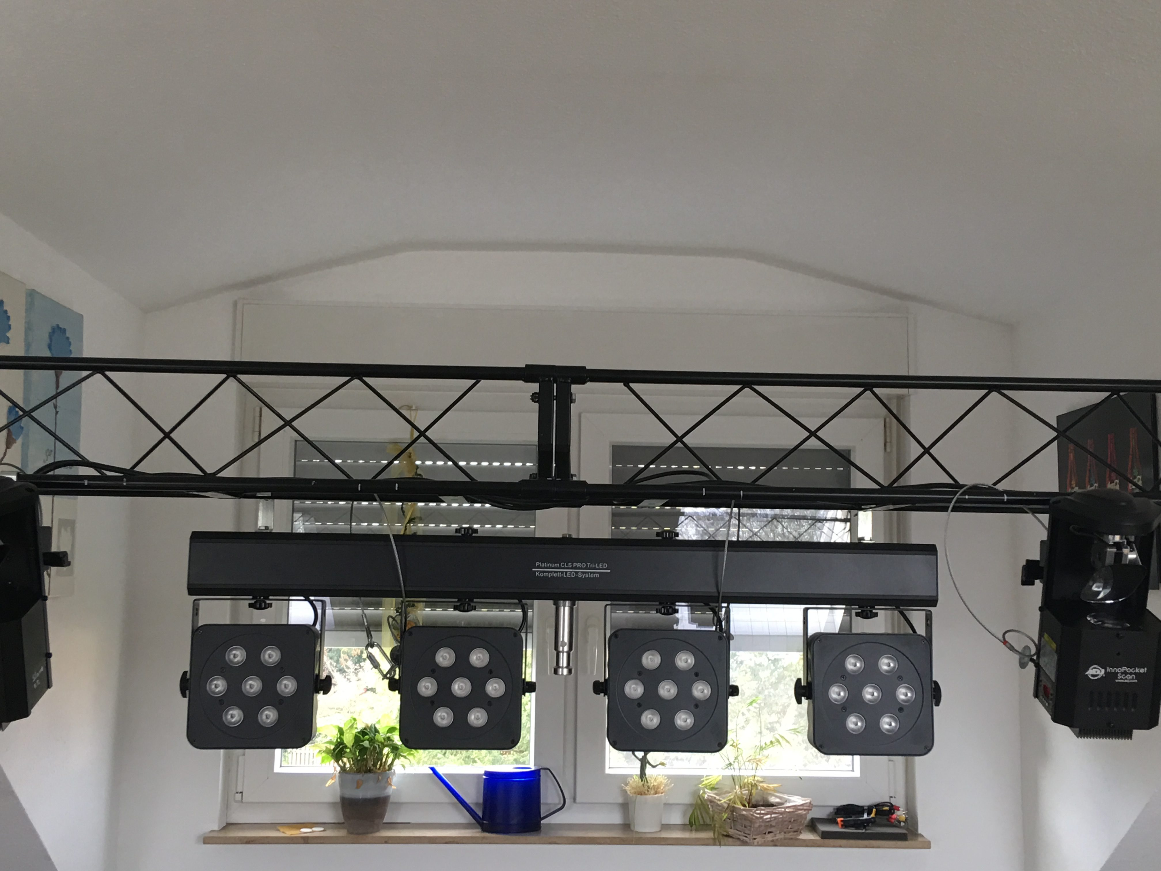 neue technik dj frank tripp. Black Bedroom Furniture Sets. Home Design Ideas